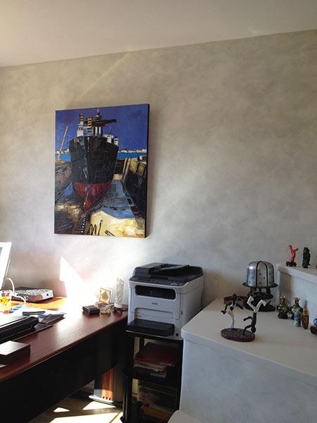 travaux de peinture décorative sur les murs d'une chambre à Marseille