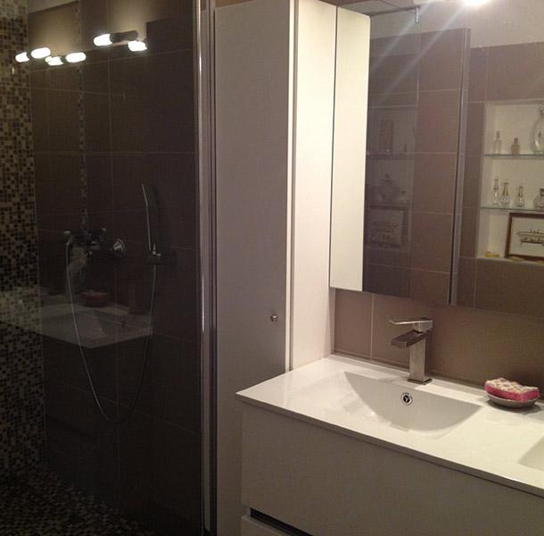 Repeindre le carrelage de la salle de bain 20170816090740 for Repeindre le carrelage de la salle de bain