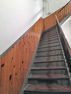 travaux de peinture sur les plafonds et les murs